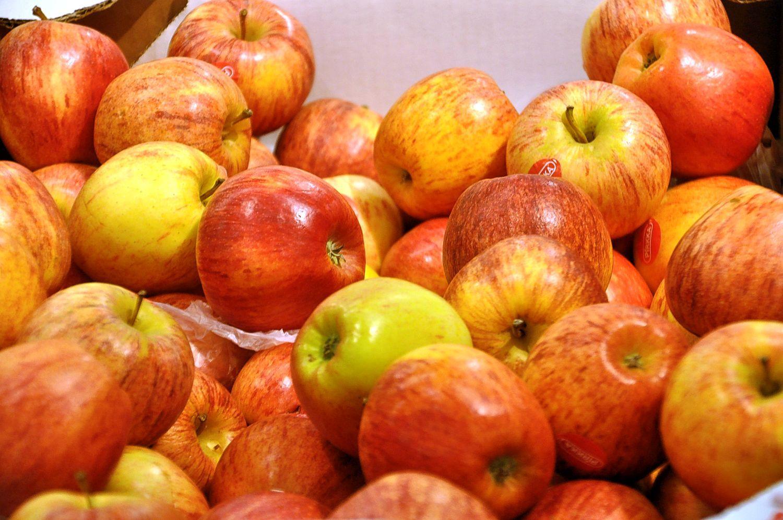 Koululaisille on helmikuun aikana ollut tarjolla muun muassa omenoita, mutta myös banaaneja, mandariineja ja klementtiinejä. Arkistokuva