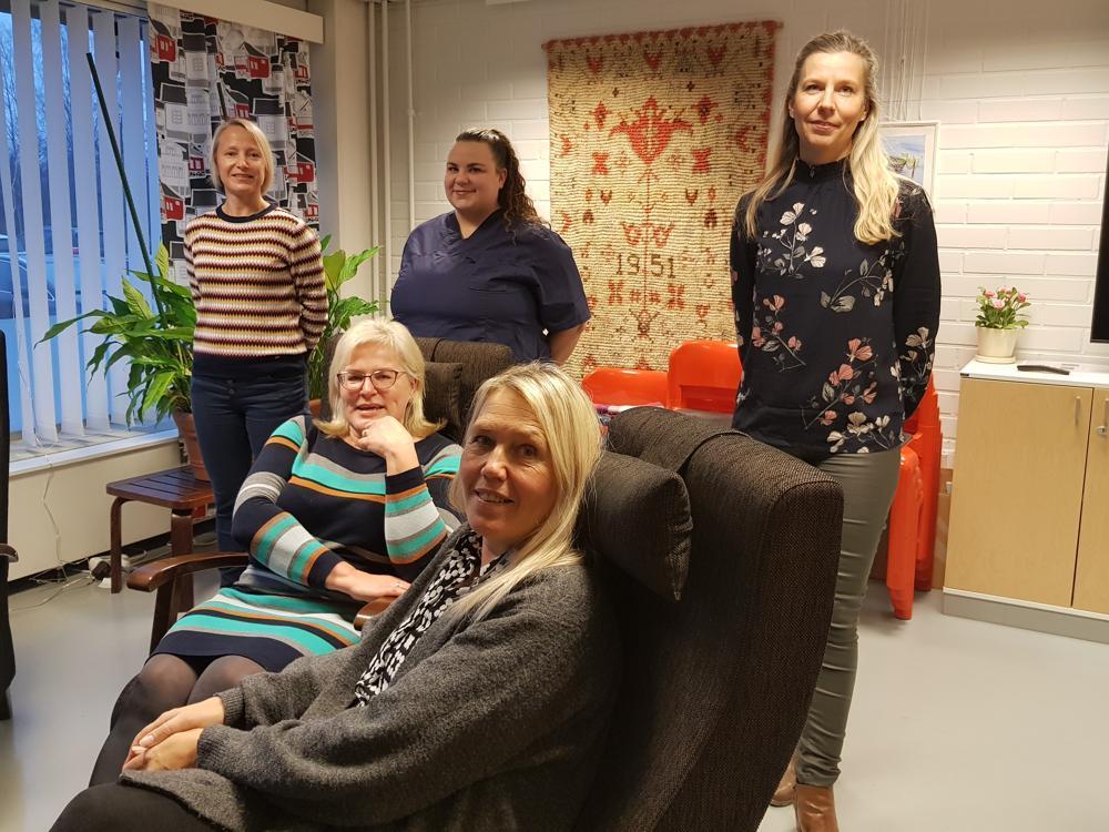 kvinnor som jobbar med socialt arbete